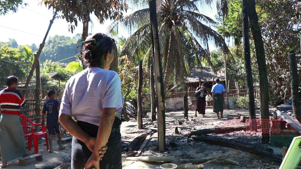 ခထီးလွေက်းရြာမွ မီးေလာင္သြားသည့္ေနအိမ္မ်ား